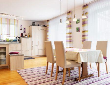immocontec-Referenz: Esszimmer eines Zweifamilienhauses mit Doppelgarage in Poppenricht