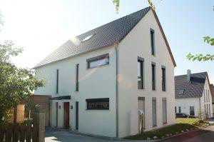 immocontec: Zweifamilienwohnhaus in Lappersdorf