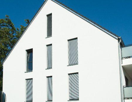 immocontec-Referenz: Seitenansicht des VIO2 in Graß in Regensburg