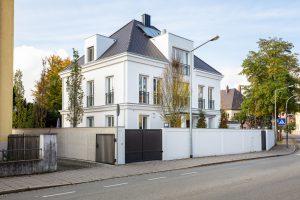immocontec-Referenz: klassisch-moderne Stadtvilla in Regensburg